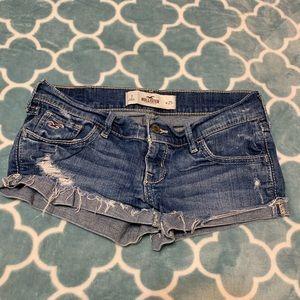Hollister denim shorts w/ button back pockets